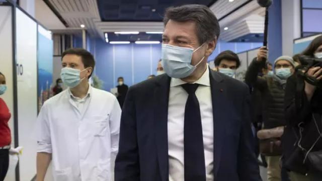 Christian Estrosi dans le JDD: La priorité, c'est la vaccination. C'est ce qu'attendent les Français et c'est la seule façon de sortir de la crise sanitaire.